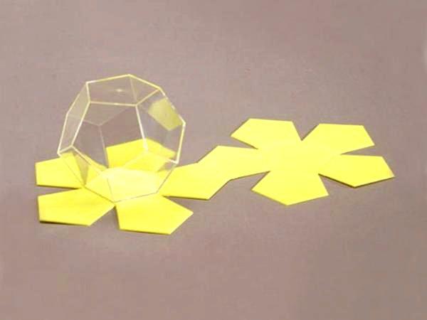 Многогранник додекаэдр со